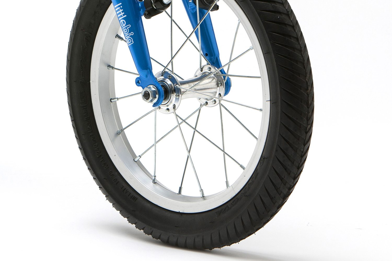 Comfortable air tires, alloy rims with alloy ball bearing hubs